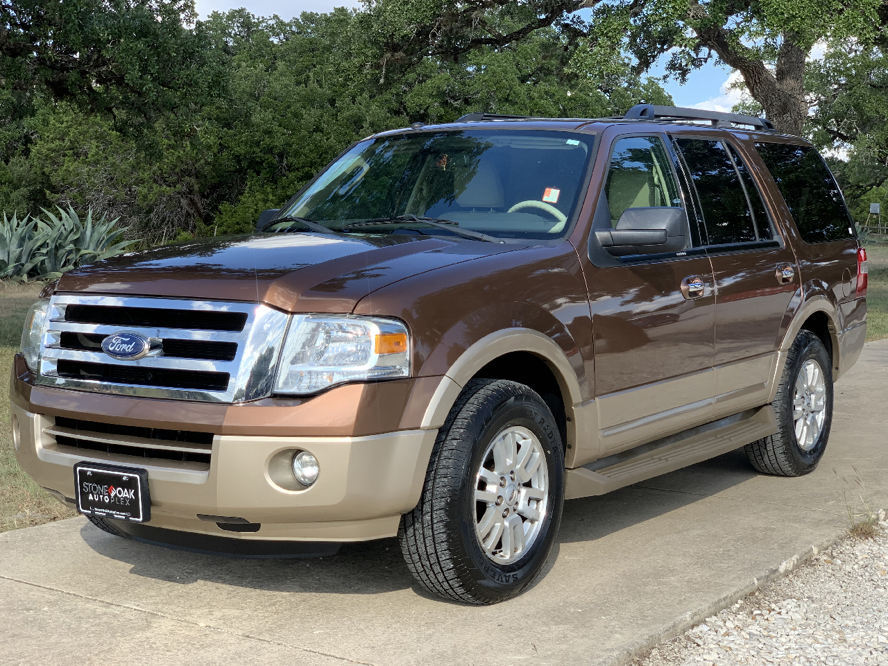 Ford Expedition 2WD 4dr Eddie Bauer 2012