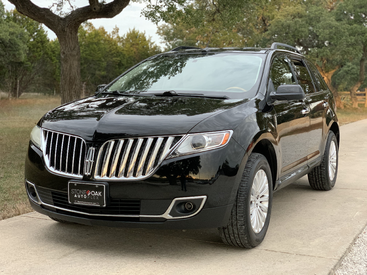 Lincoln MKX FWD 4dr 2011