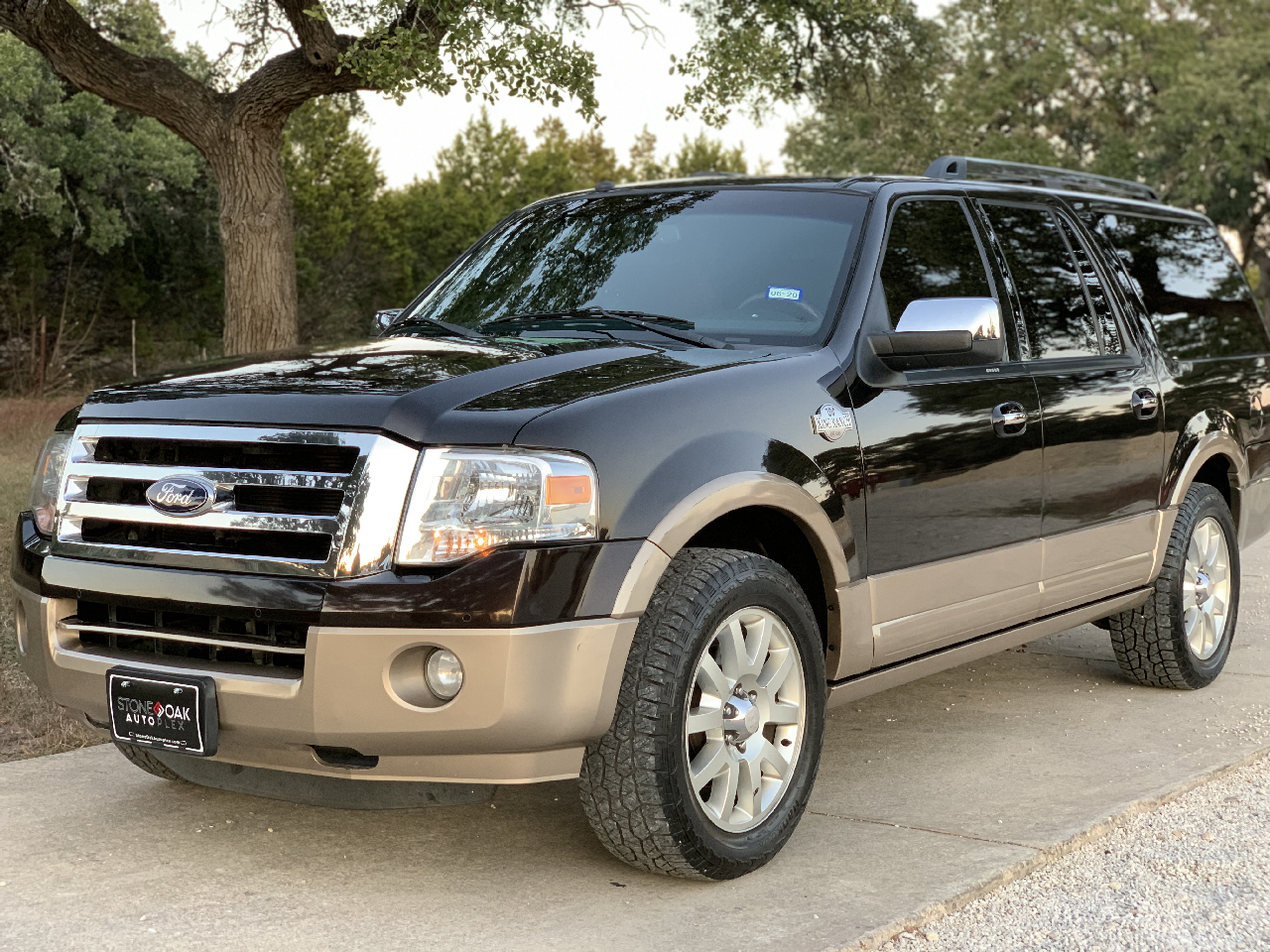 Ford Expedition EL 2WD 4dr King Ranch 2013