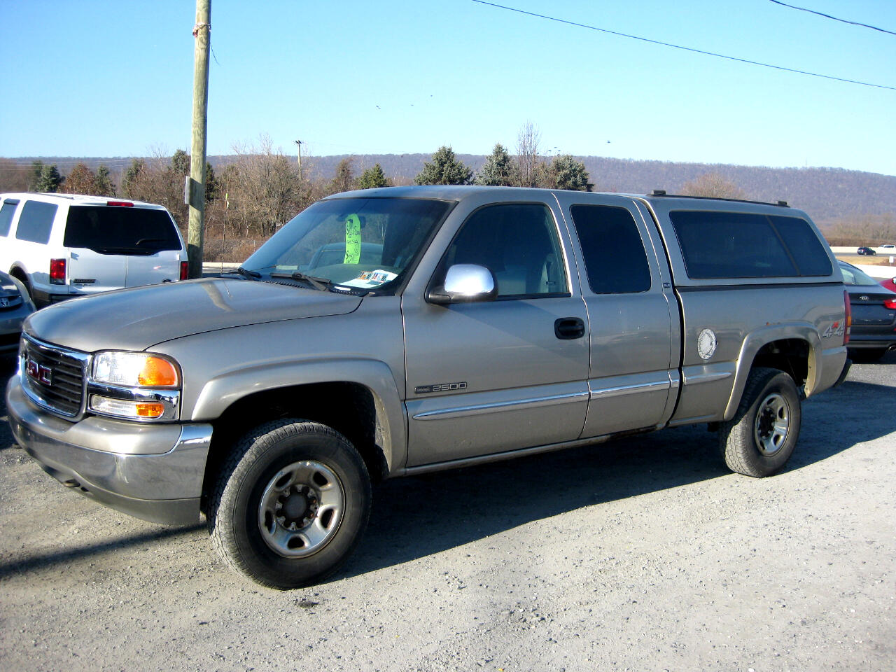 2000 GMC New Sierra 2500 HD 4dr Ext Cab 143.5