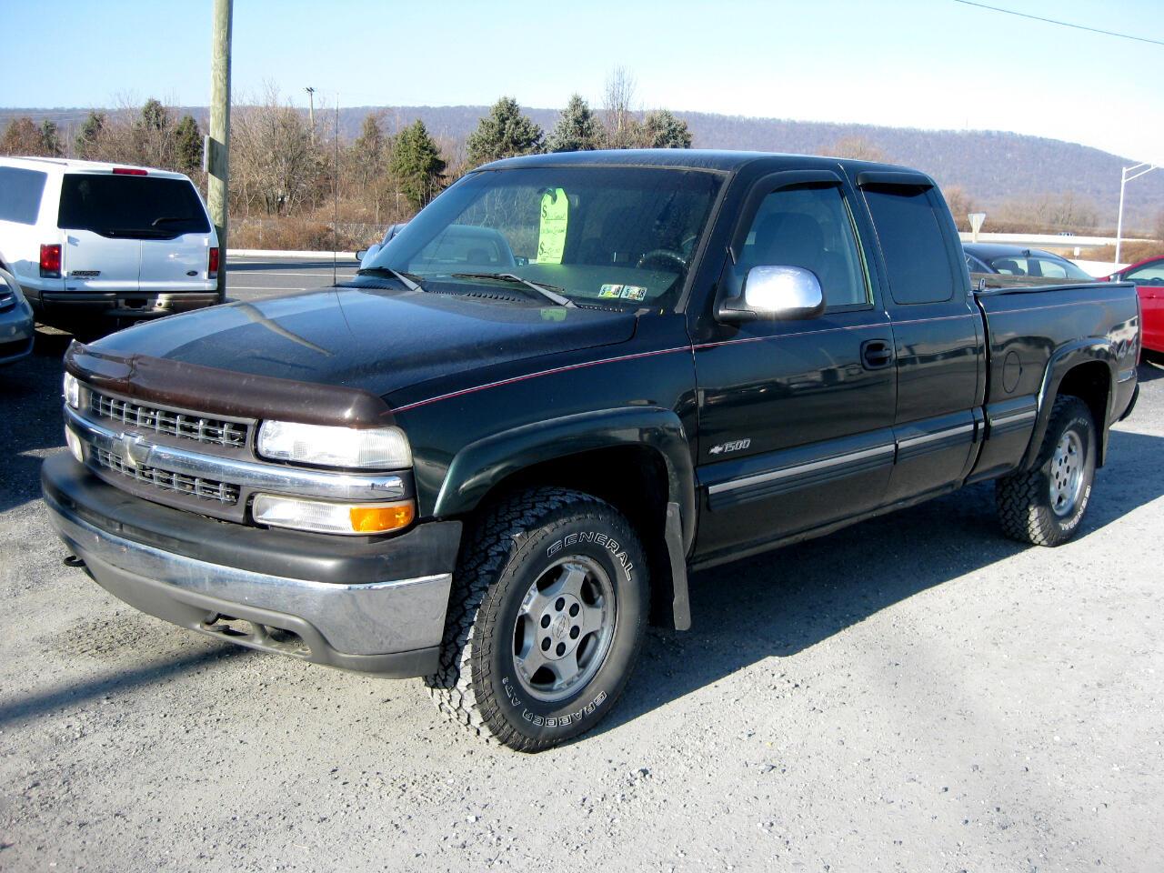2001 Chevrolet Silverado 1500 LS Ext. Cab 4WD