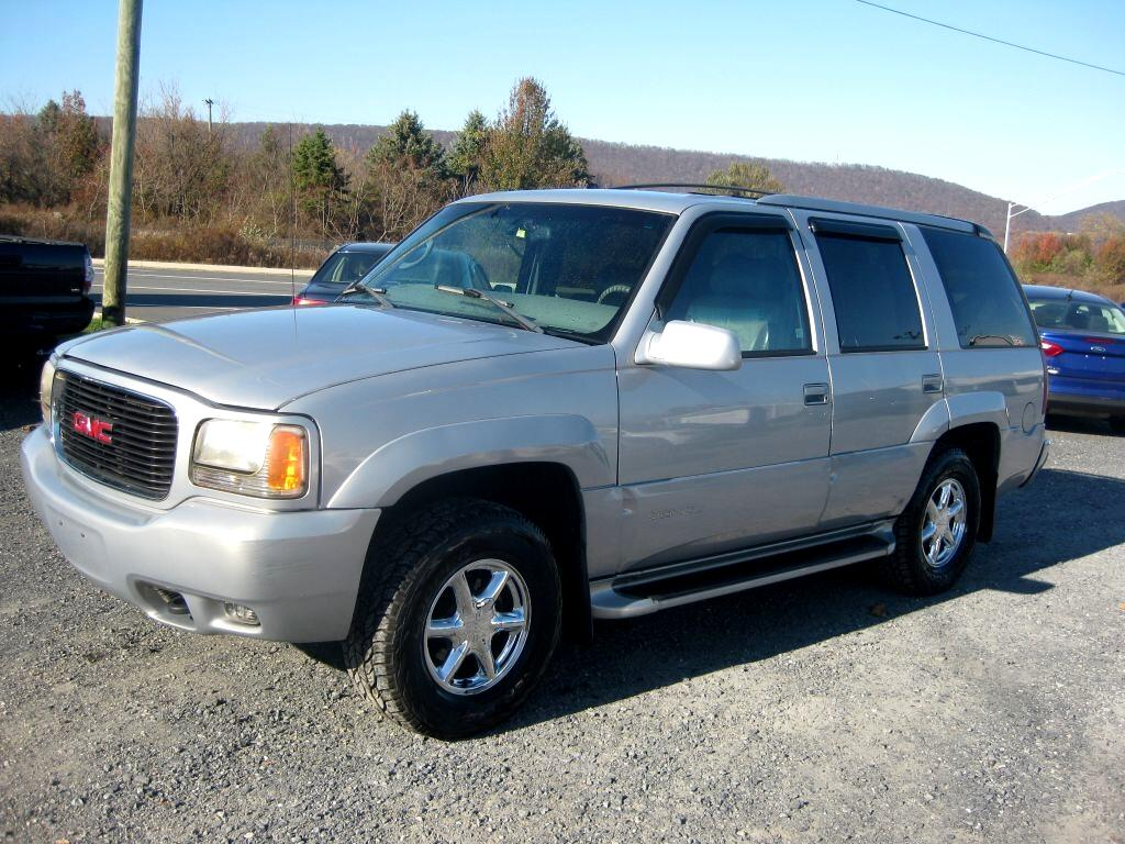 GMC Yukon Denali Base 2000