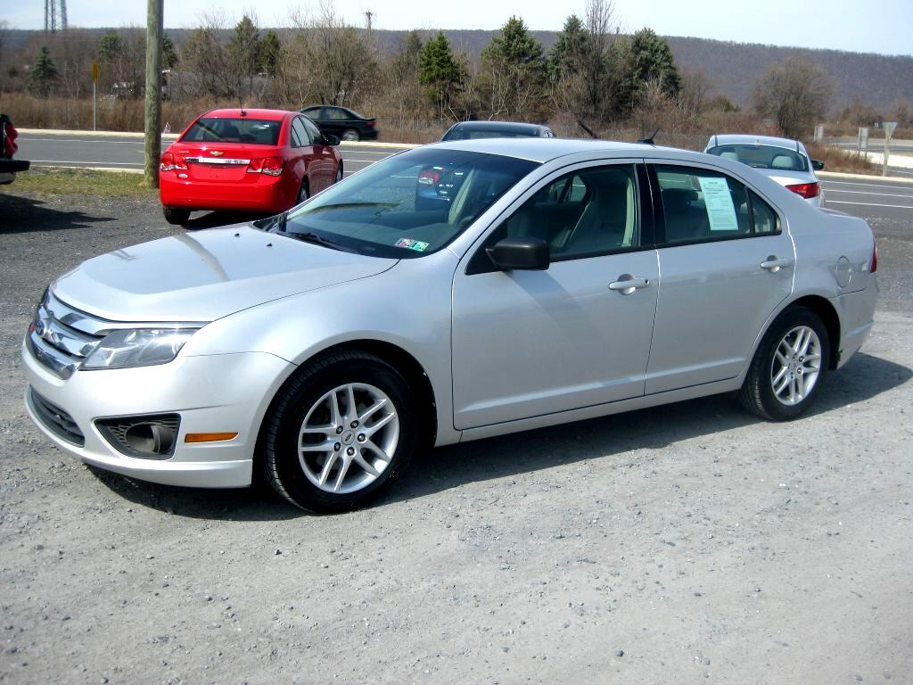 Ford Fusion S 2010
