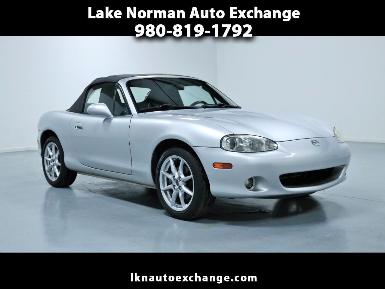 2004 Mazda MX-5 Miata 2dr Conv Cloth 5-Spd Manual