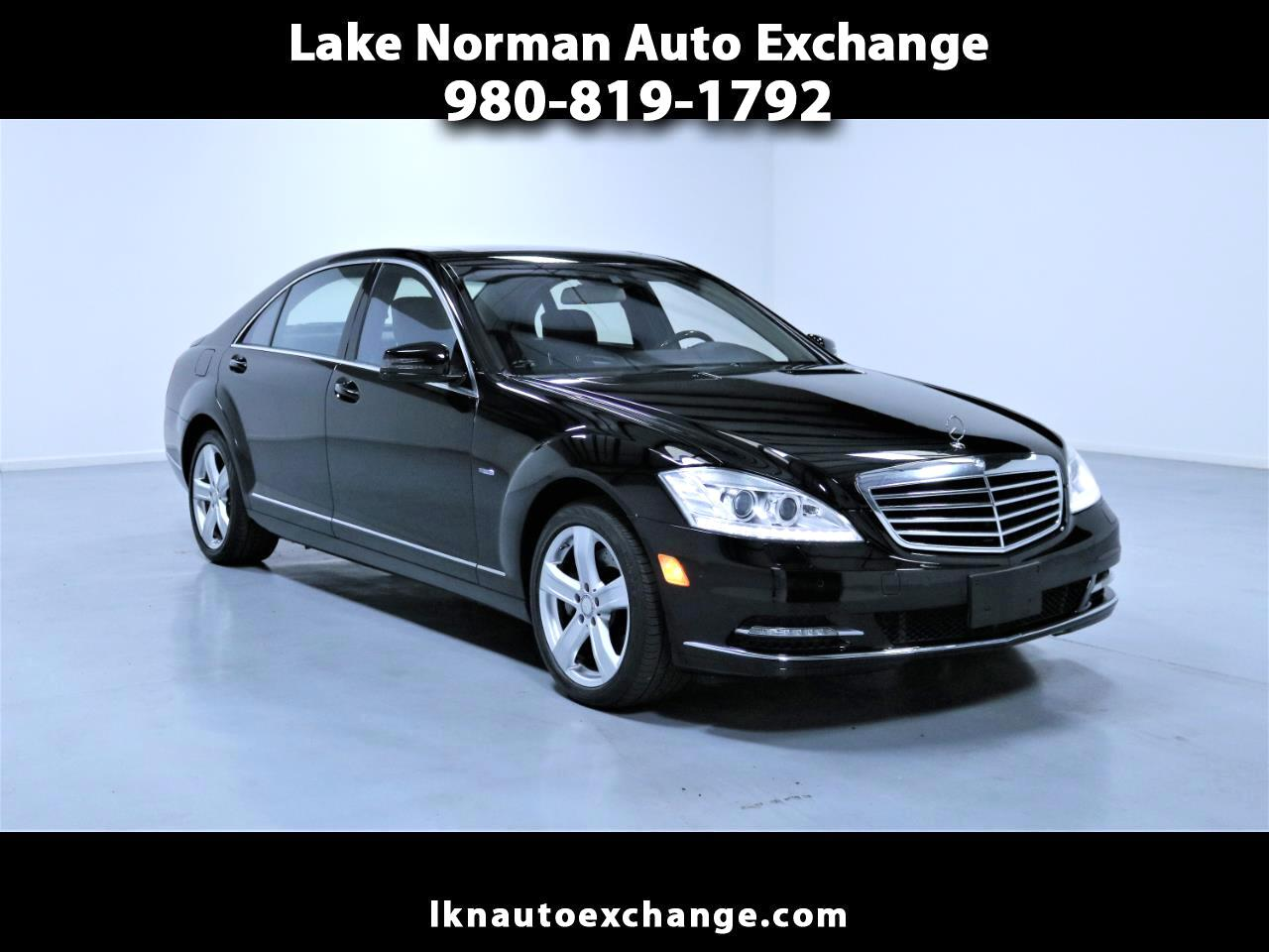 2012 Mercedes-Benz S-Class 4dr Sdn S 550 4MATIC Blue Efficiency