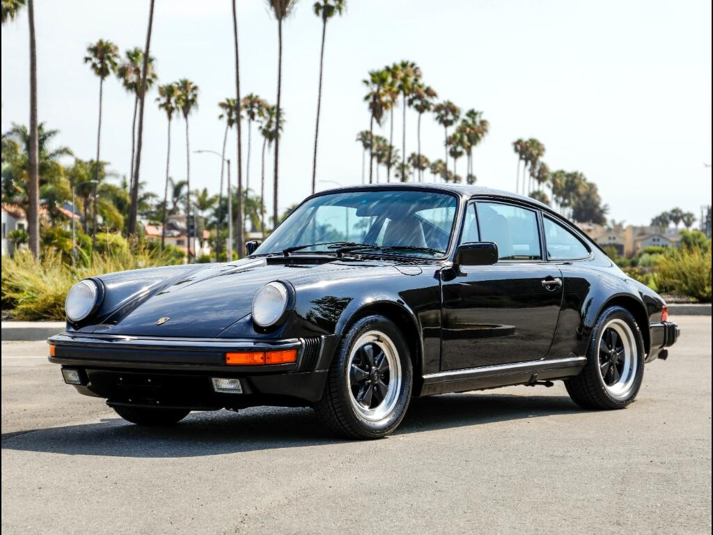 1988 Porsche 911 Carrera 2dr Coupe 5-Spd