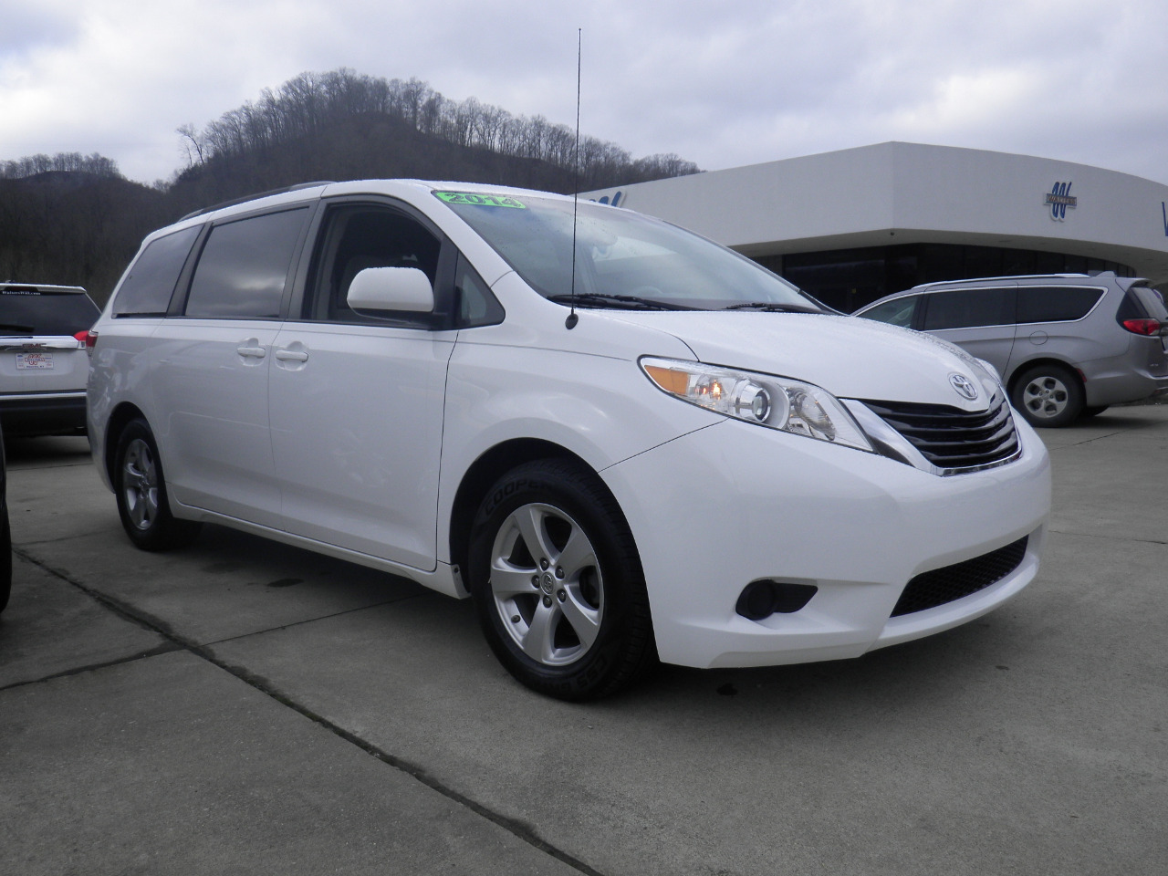 2014 Toyota Sienna 5dr 7-Pass Van V6 LE AAS FWD (Natl)