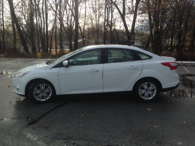 2012 Ford Focus SEL Sedan