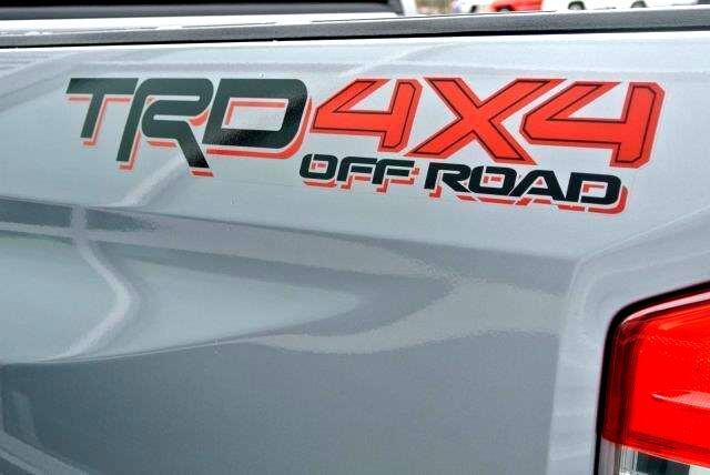 2018 Toyota Tundra SR5 CrewMax 5.5' Bed 5.7L FFV (Natl)