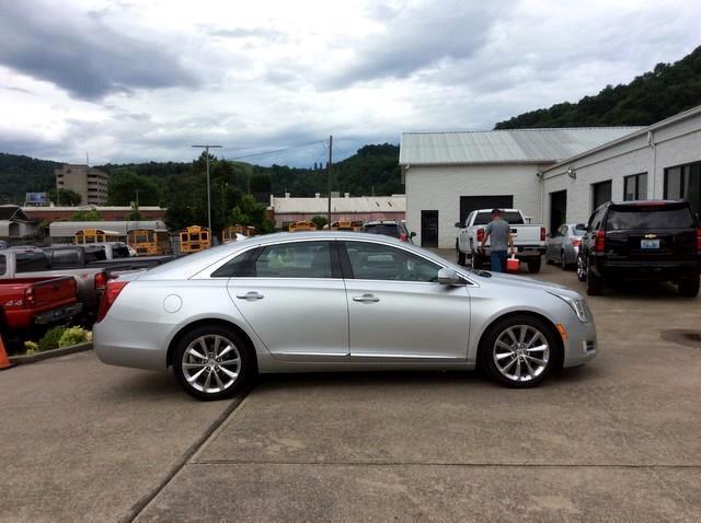 2013 Cadillac XTS 4dr Sdn Premium FWD
