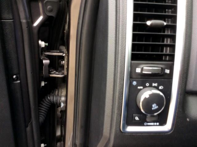 2015 RAM 1500 4WD Crew Cab 149