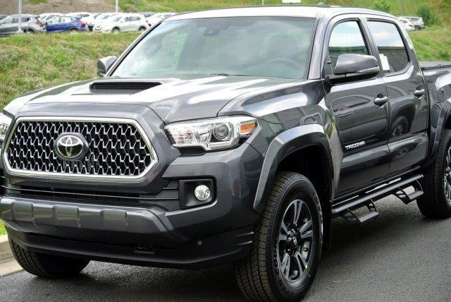 2018 Toyota Tacoma SR5 Double Cab 5' Bed V6 4x4 AT (Natl)