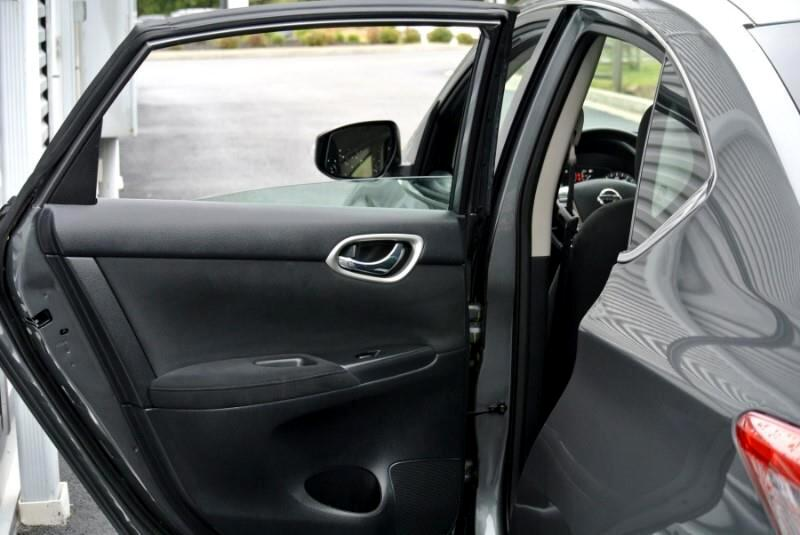 2015 Nissan Sentra 4dr Sdn I4 CVT SR