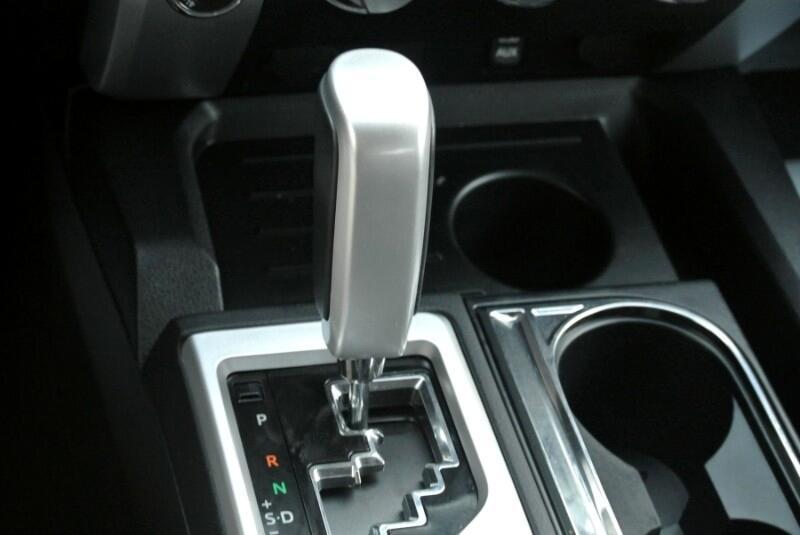 2014 Toyota Tundra CrewMax 5.7L FFV V8 6-Spd AT SR5 (Natl)
