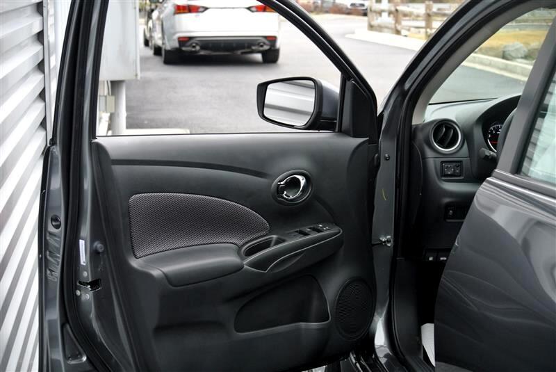 2019 Nissan Versa SV CVT