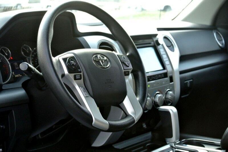 2017 Toyota Tundra 4WD SR5 CrewMax 5.5' Bed 5.7L FFV (Natl)