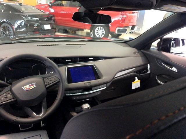 2019 Cadillac XT4 AWD 4dr Sport