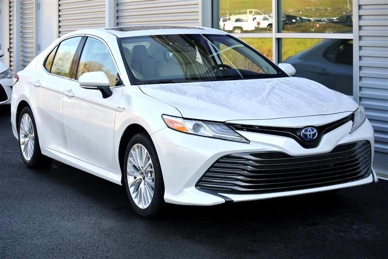 2019 Toyota Camry Hybrid LE CVT (Natl)