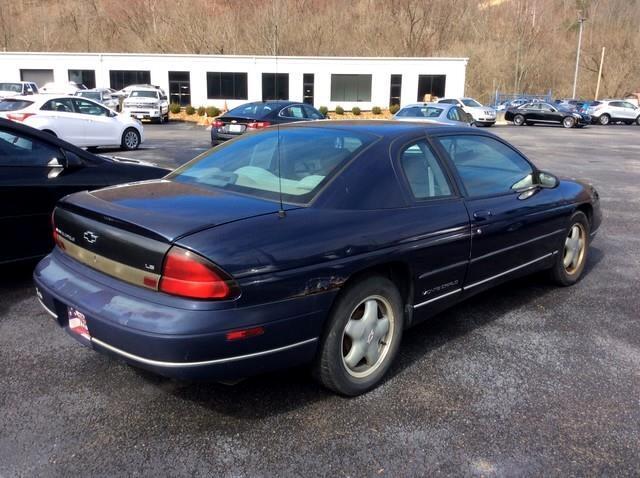 1999 Chevrolet Monte Carlo 2dr Cpe LS