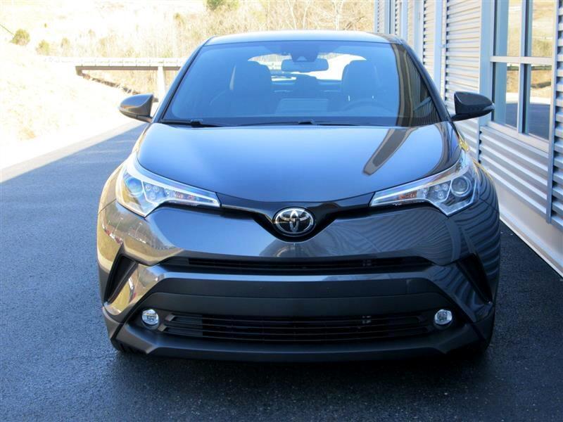 2019 Toyota C-HR XLE FWD (Natl)