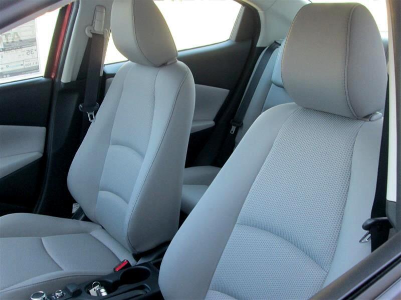 2019 Toyota Yaris Sedan 4-Door L Manual (Natl)
