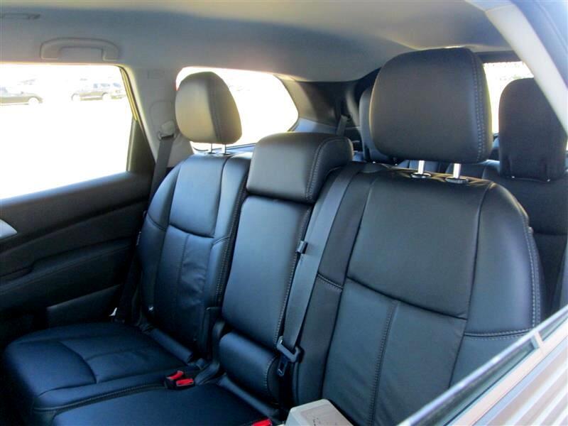 2019 Nissan Pathfinder 4x4 SL