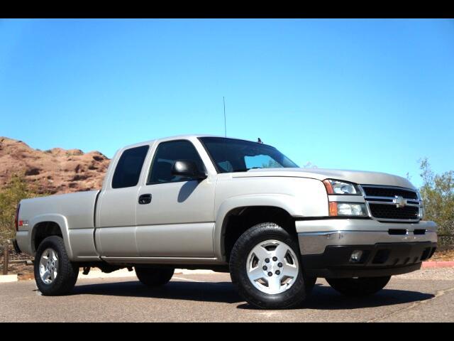 2007 Chevrolet Silverado Classic 1500 LT2 Ext. Cab Short Box 4WD