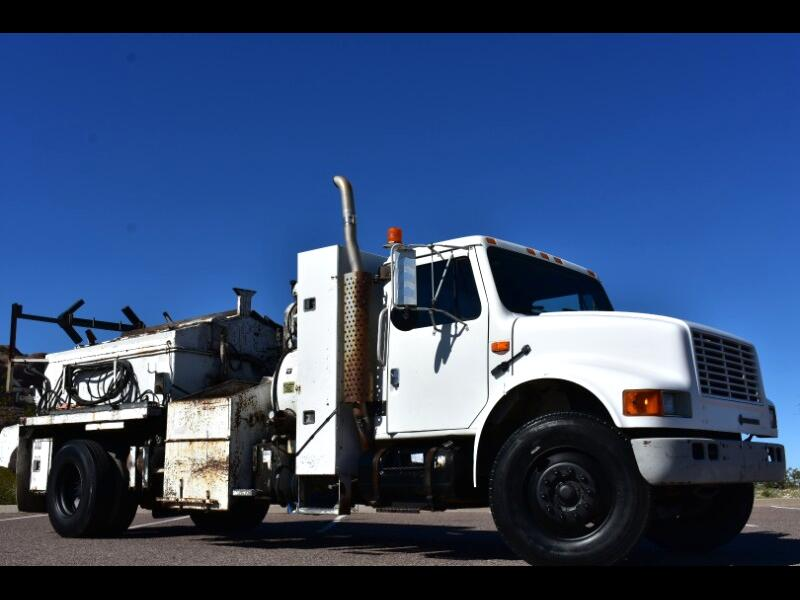 1993 International 4700 international asphalt truck