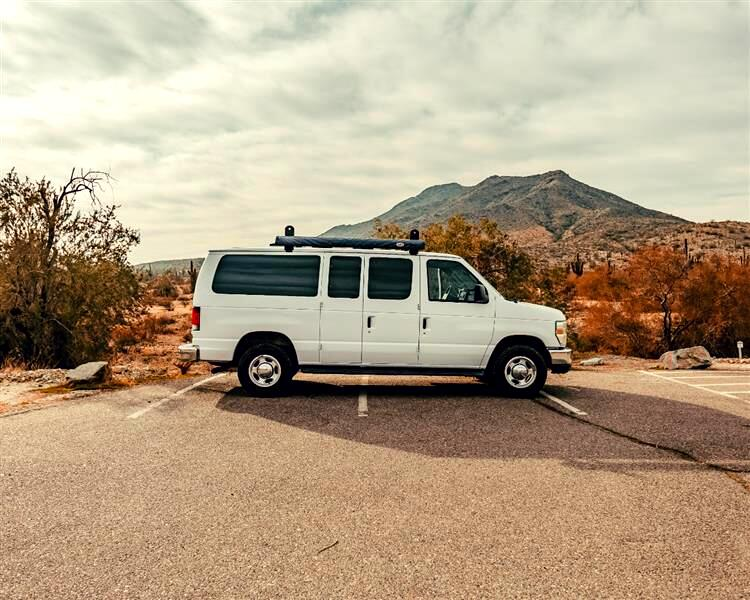 Ford Econoline E-350 XLT Super Duty 2009