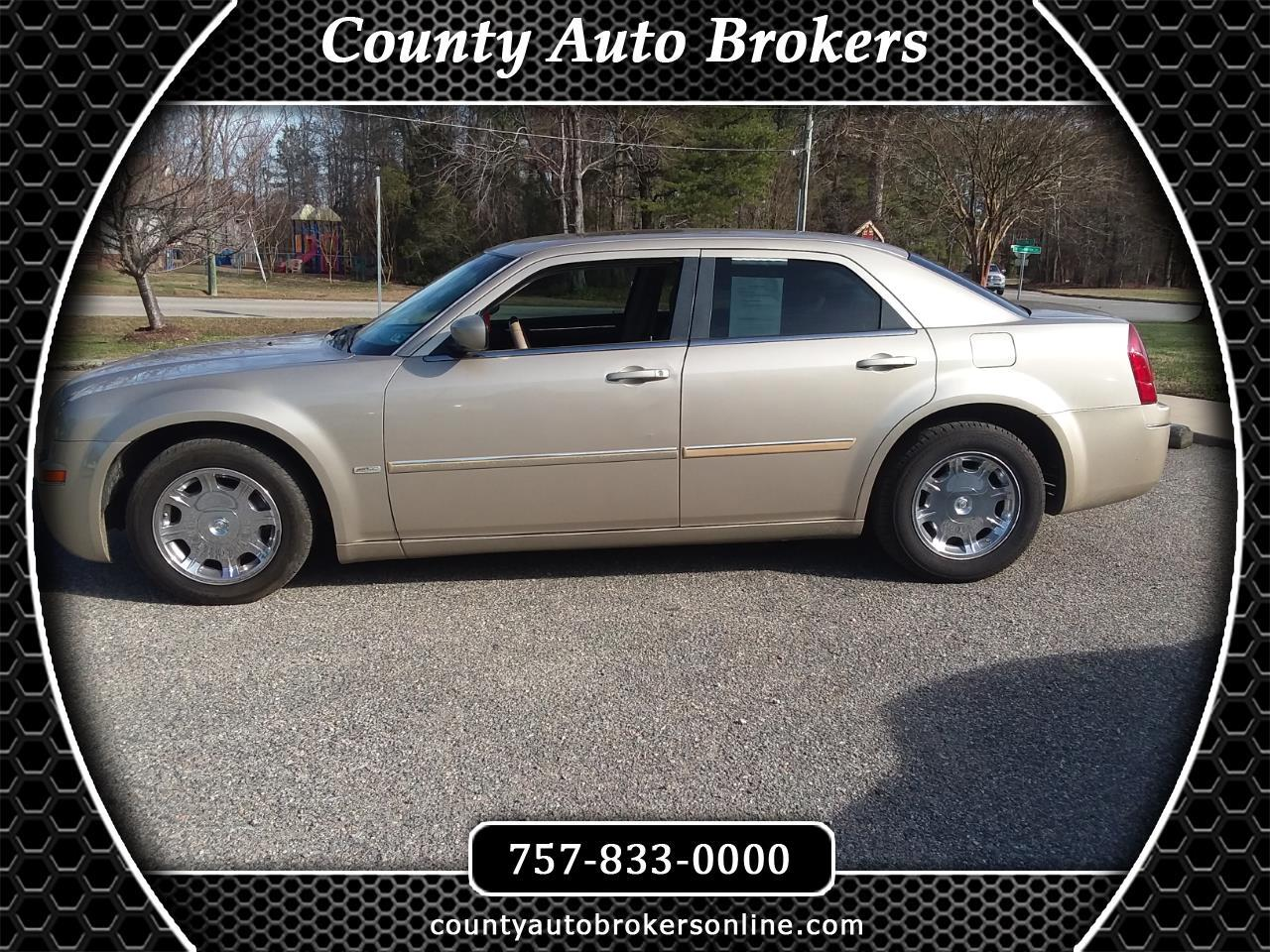 Chrysler 300 4dr Sdn 300 Signature RWD 2007