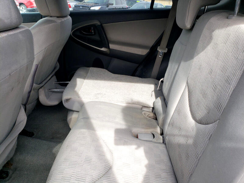 Toyota RAV4 Base I4 4WD 2011