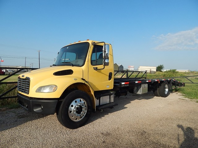 2005 Freightliner M2 106 Day Cab