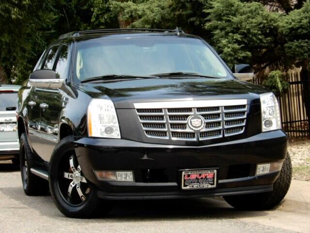 2010 Cadillac Escalade EXT Sport Utility Truck