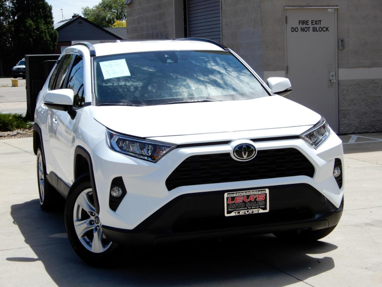 Toyota RAV4 XLE AWD (Natl) 2021