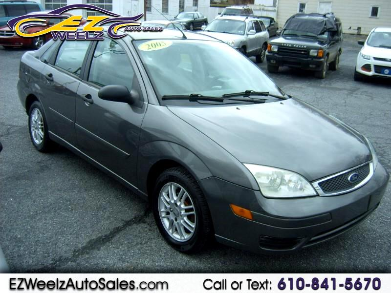 2005 Ford Focus 4dr Sdn ZX4 SE