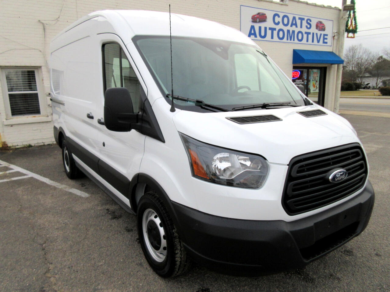 2019 Ford Transit 150 Van Med. Roof w/Sliding Pass. 130-in. WB