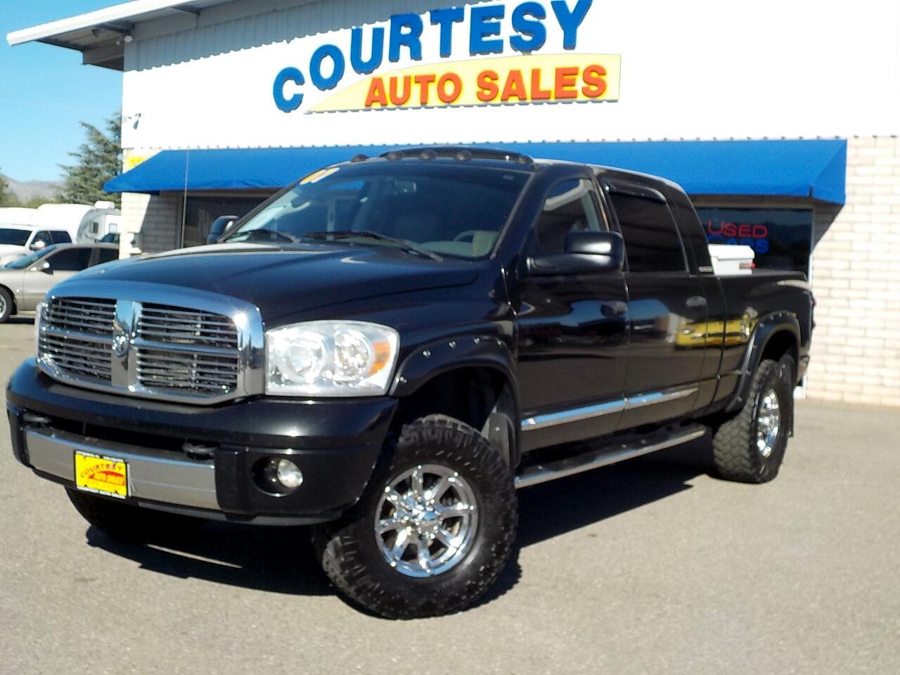 """2007 Dodge Ram 2500 4WD Mega Cab 160.5"""" Laramie"""