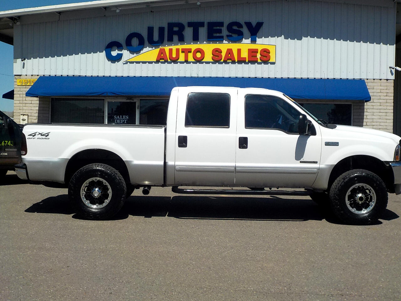2002 Ford Super Duty F-250 4WD Crew Cab 156