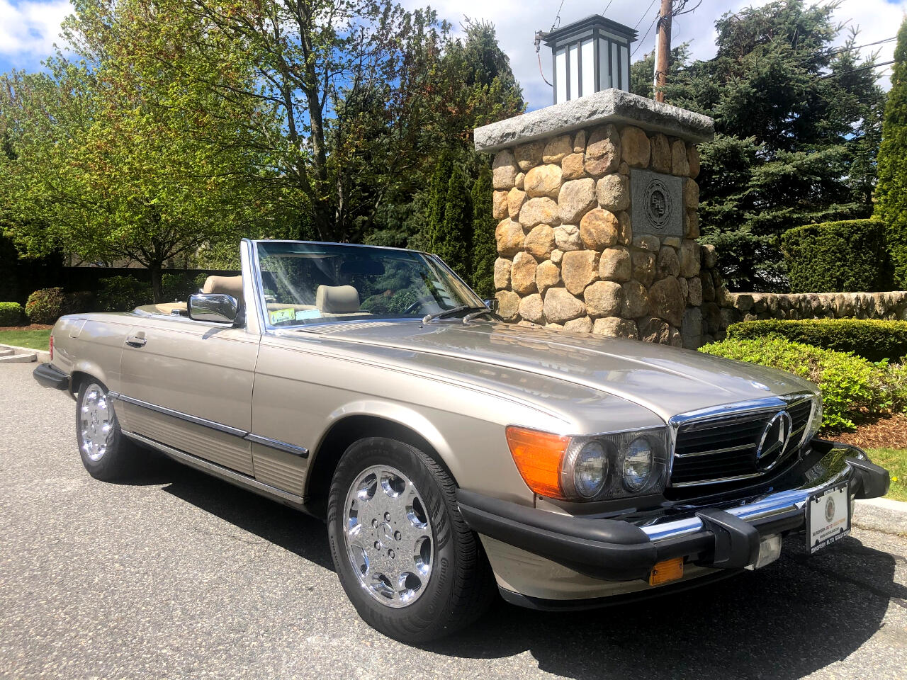 Mercedes-Benz 560  1988