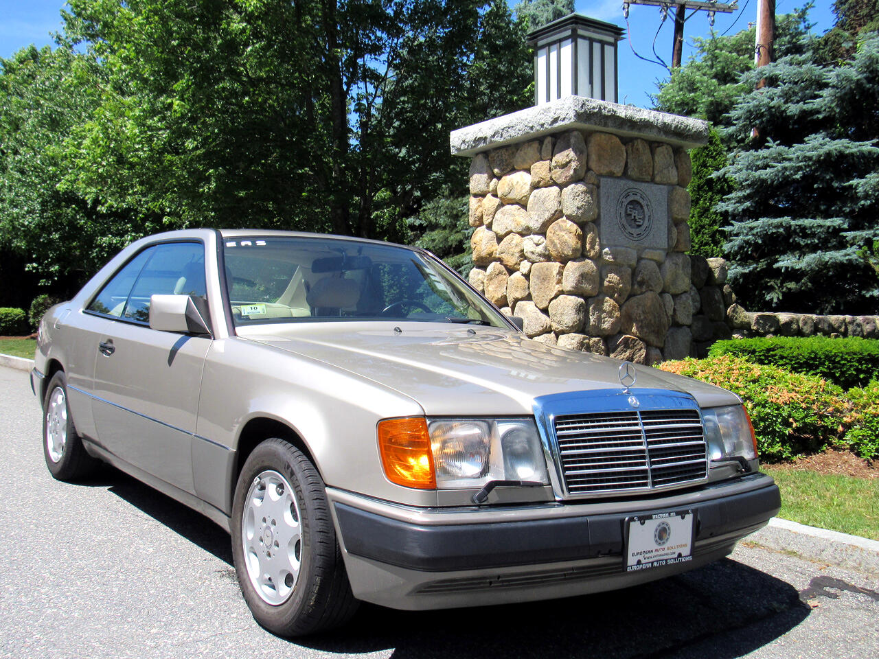 Mercedes-Benz 300 Series 2dr Coupe 300CE 1991