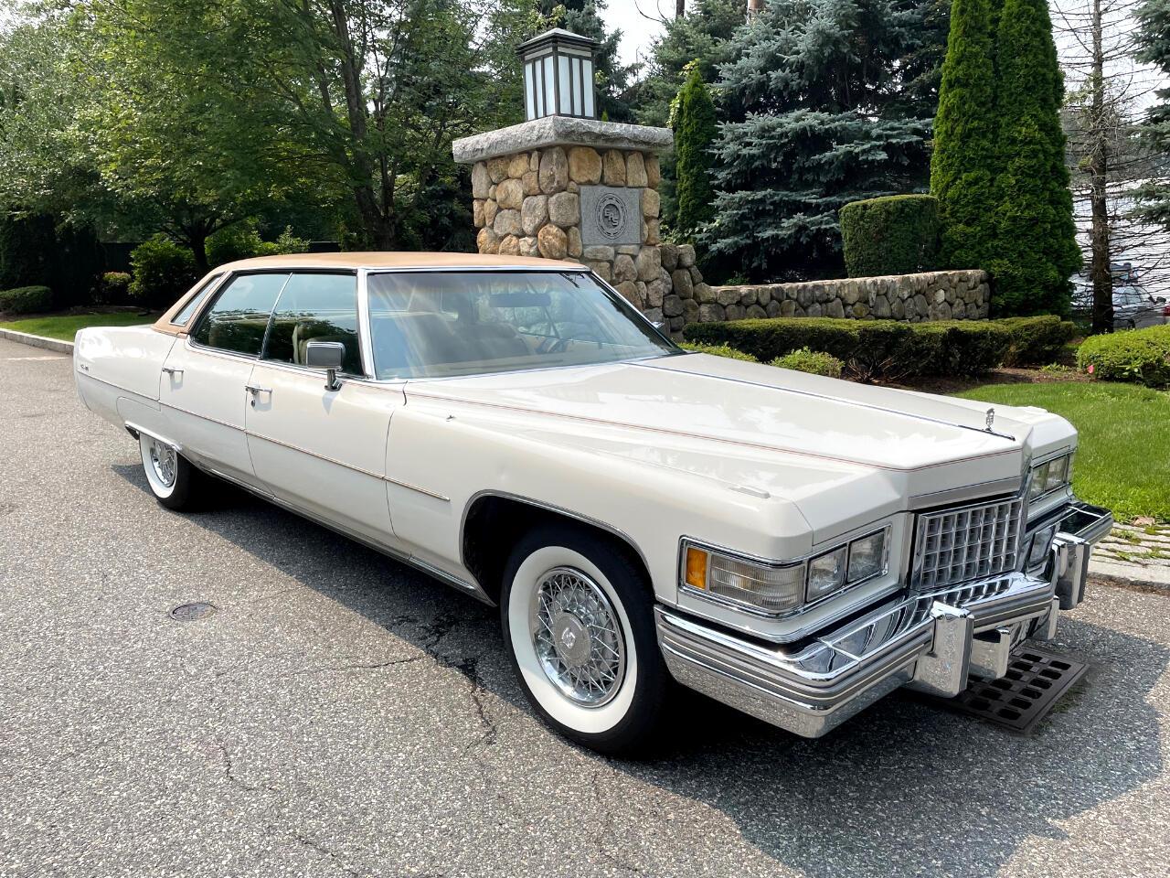 Cadillac Sedan  1976
