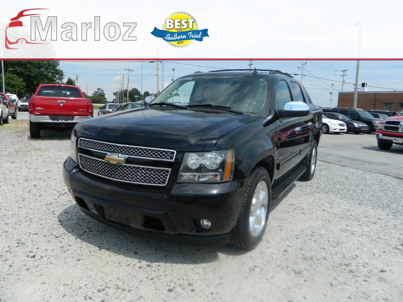 Chevrolet Avalanche LT 2WD 2011