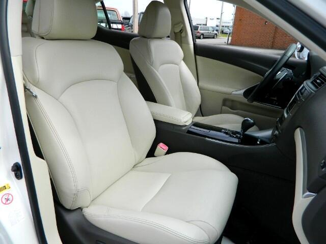 Lexus IS 250 RWD 2011