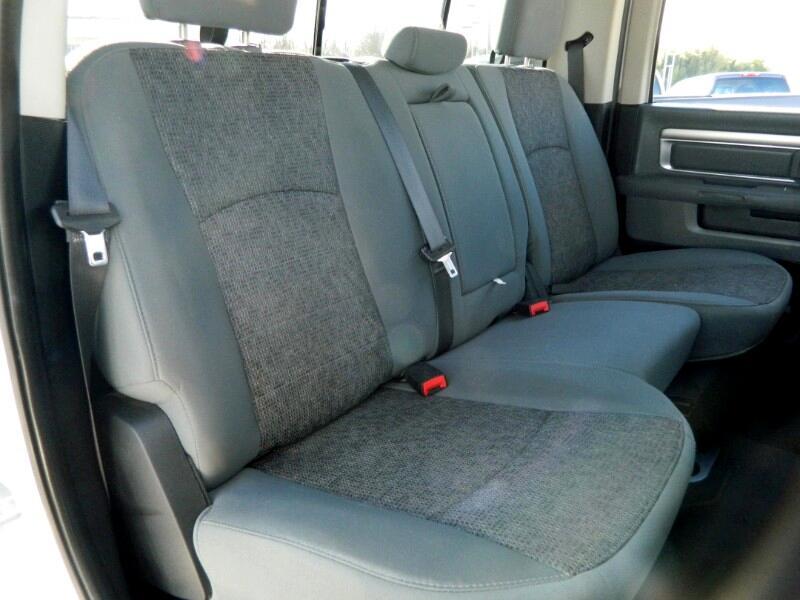 "RAM 1500 4WD Crew Cab 140.5"" Lone Star 2016"