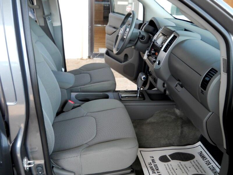 2018 Nissan Frontier SV Crew Cab 4WD