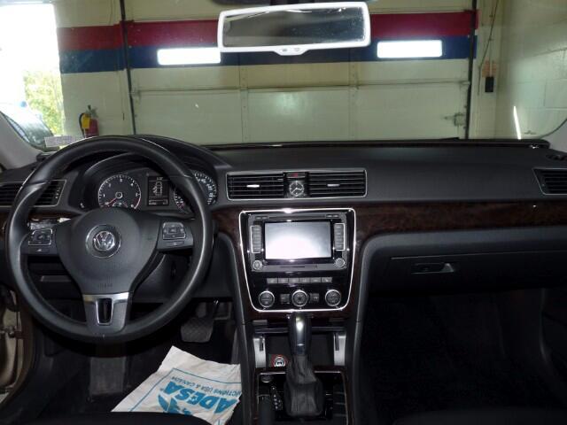 2015 Volkswagen Passat TDI SEL Premium 6A