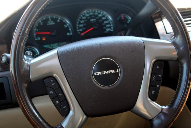 2009 GMC Yukon Denali XL 4WD