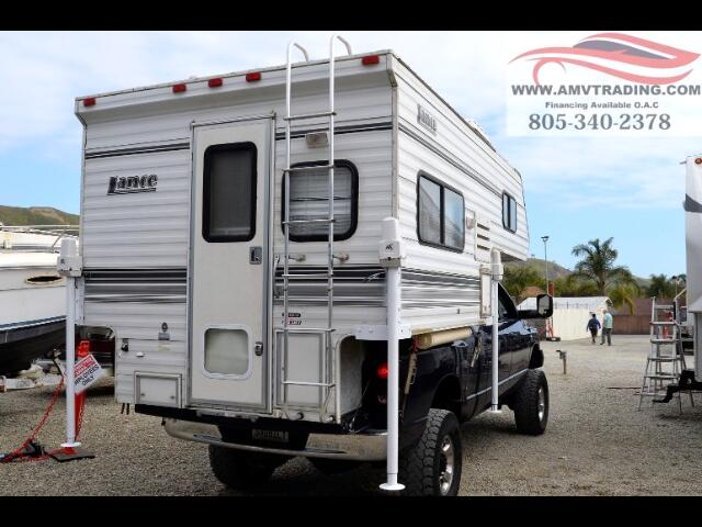 2002 Lance Campers 835