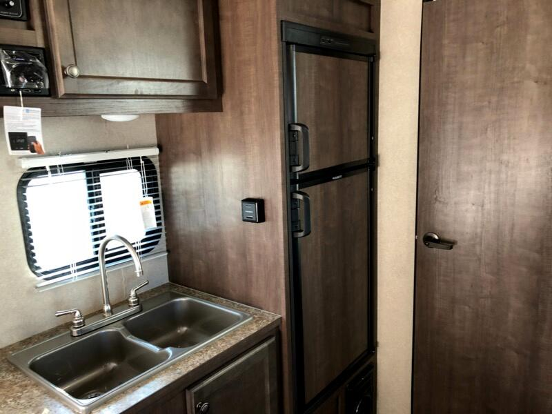 2019 Sunset Park RV SunLite Travel Trailer 21BHS