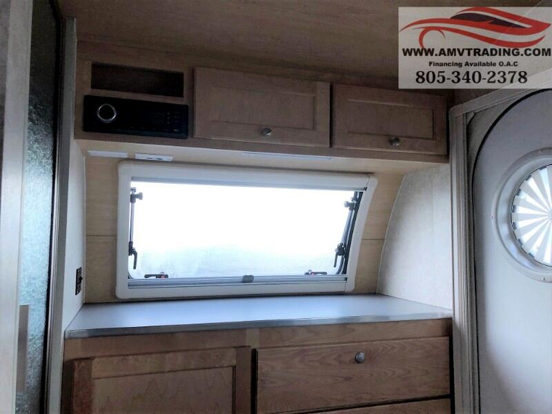 2019 nuCamp RV' Tab 320 CS-S